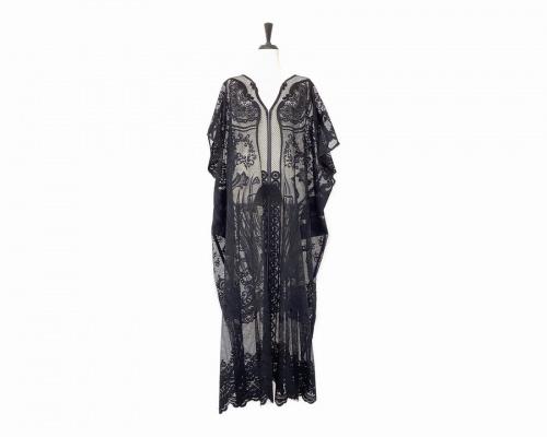 ワンピースのカーテンレースドレス