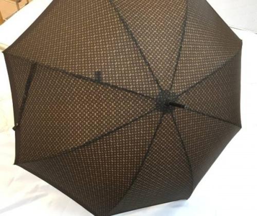 ブランド・ラグジュアリーの傘