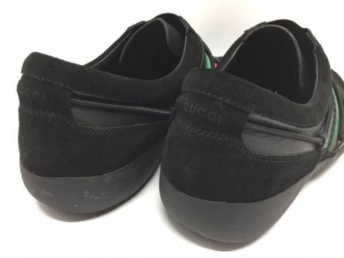 靴のGUCCI スニーカー
