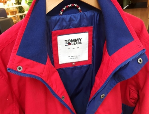 アノラックジャケットのTOMMY JEANS(トミ―ジーンズ)