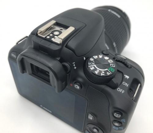 デジタルカメラ 一眼レフのCANON キャノン