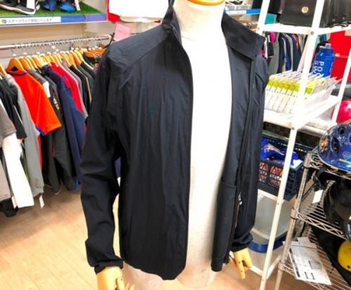 ジャケットのエイペックスライトジャケット