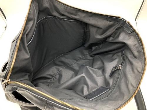 メンズのレザートートバッグ