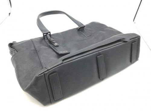 レザートートバッグのTUMI(トゥミ)