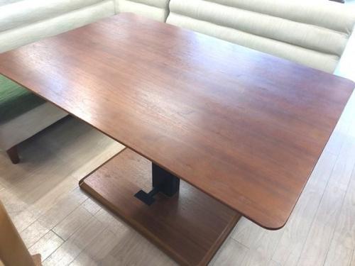 テーブルのコーナーソファーダイニングセット