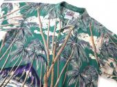 メンズファッションのアロハシャツ