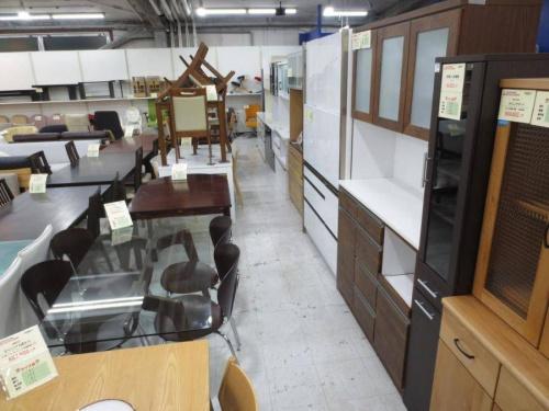 食器棚の横浜