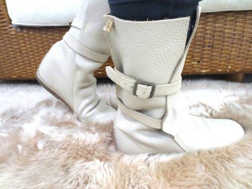 レディースファッションのブーツ