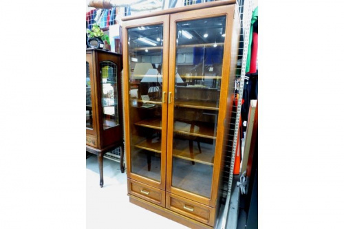 家具・インテリアの本棚