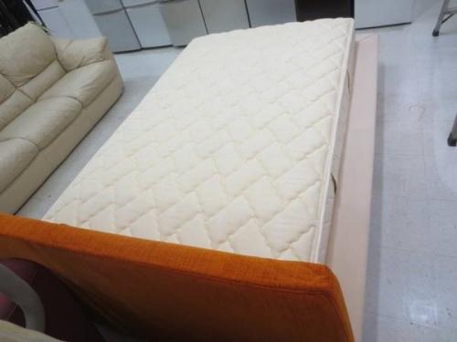 ベッドの横浜青葉