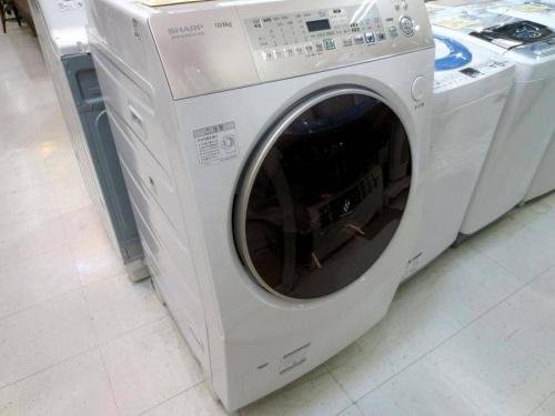 SHARPのドラム式洗濯機