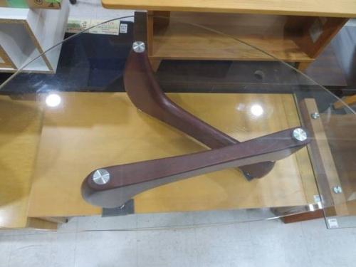 中古家具のガラステーブル