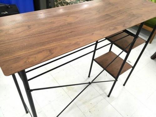 家具のカウンターテーブル