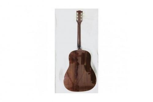 ギターのバーニ