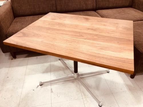 家具のカフェテーブル ウォールナット