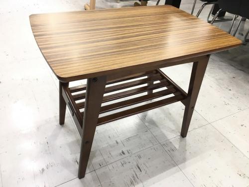 家具のテーブル カリモク60