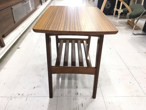 テーブル カリモク60の川崎 青葉 世田谷 鶴見 横浜 中古家具 カリモク