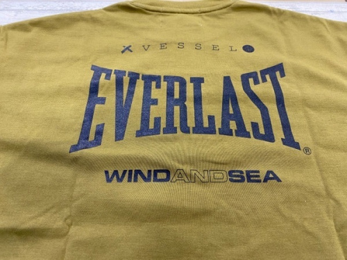 TシャツのEVER LAST