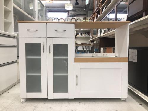 収納家具のキッチンカウンター
