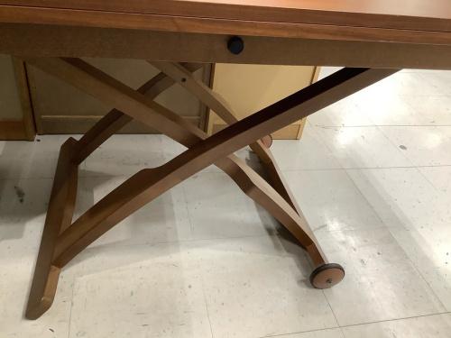 いちおし特選家具のリフティングエクステンションテーブル