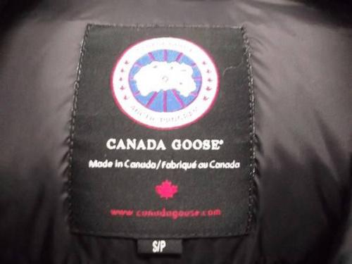 カナダグースのFREE STYLE VEST