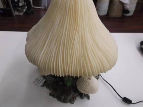 インテリア照明のマッシュルームランプ