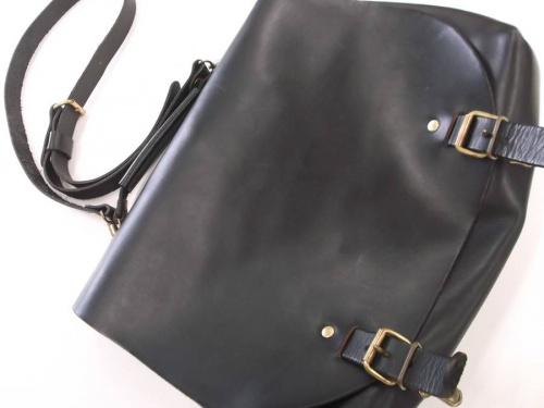 レディースファッションのレザーバッグ