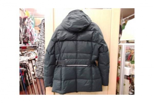 PEUTEREYのコート
