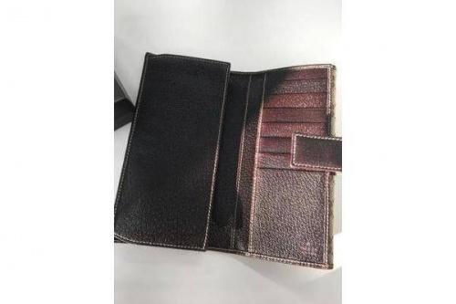 長財布のGUCCI