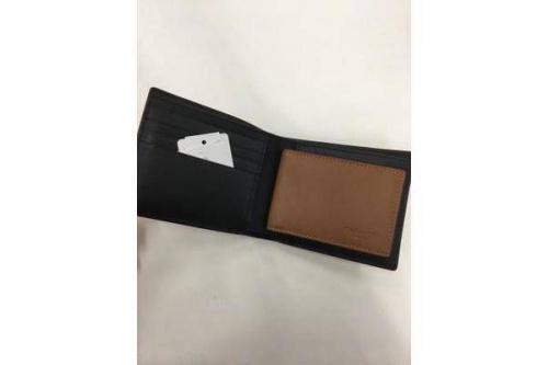 2つ折り財布のF58938