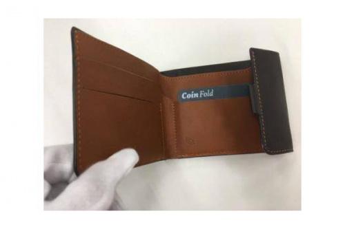 2つ折り財布のbellroy
