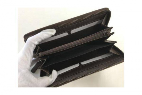 ラウンドファスナー財布のGUCCI