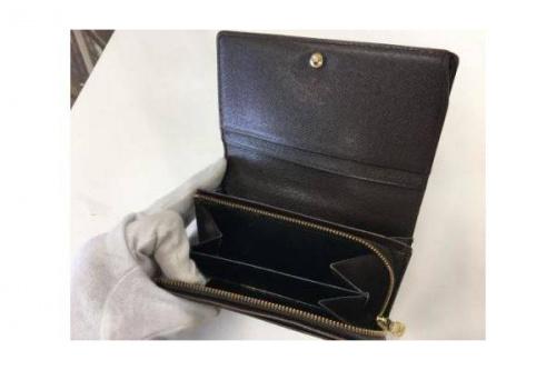 2つ折り財布のLOUIS VUITTON