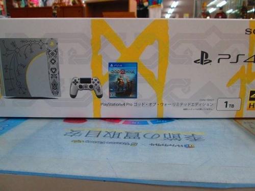 PS4 ProのPS4 Pro ゴッド・オブ・ウォー