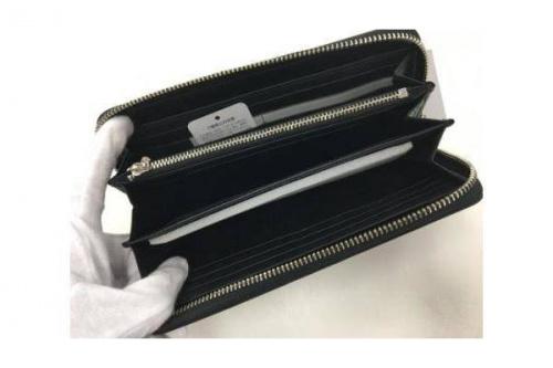 ラウンドファスナー財布のCALVIN KLEIN