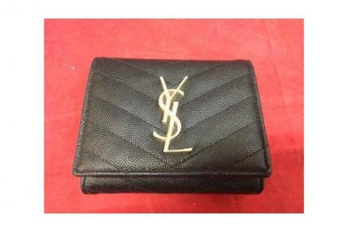 ブランド・ラグジュアリーの3つ折り財布