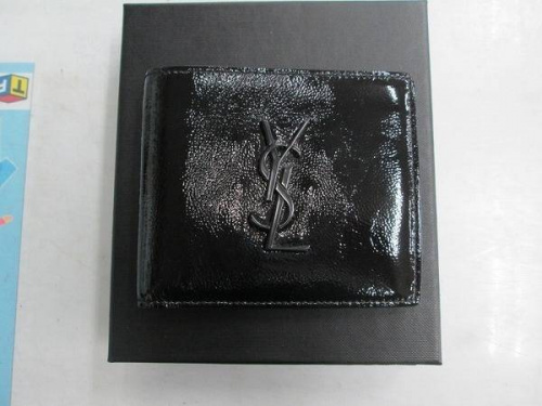 ブランド・ラグジュアリーの財布
