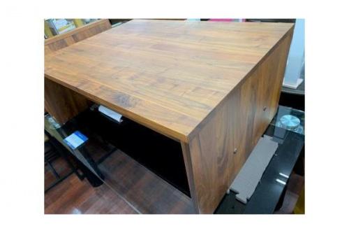 センターテーブルの天然木製