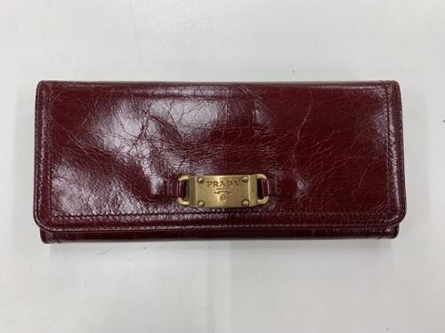 財布のプラダ