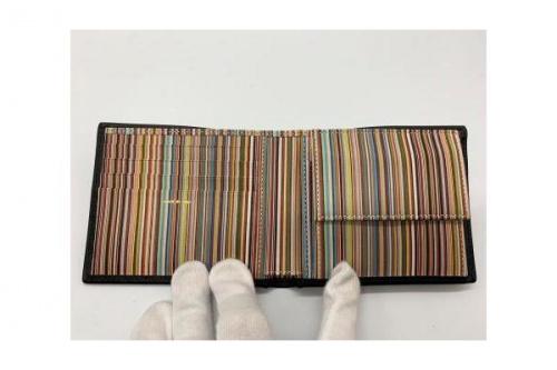 2つ折り財布のPaul Smith