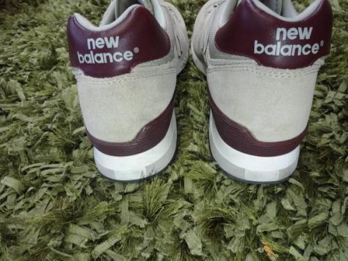 スニーカーのニューバランス(new balance)
