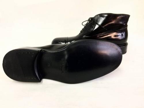 ブーツのPRADA