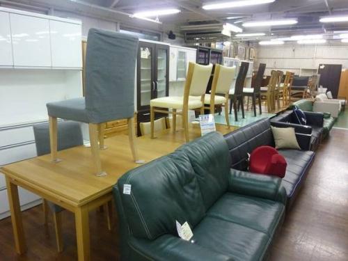 サイドテーブルの大宮家具