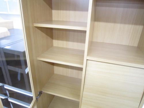 本棚のフラップ扉