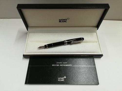 文房具の万年筆