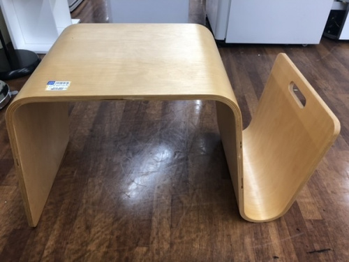 テーブルのマグテーブル