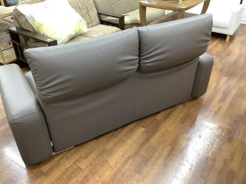 2人掛けソファーのMARUICHI