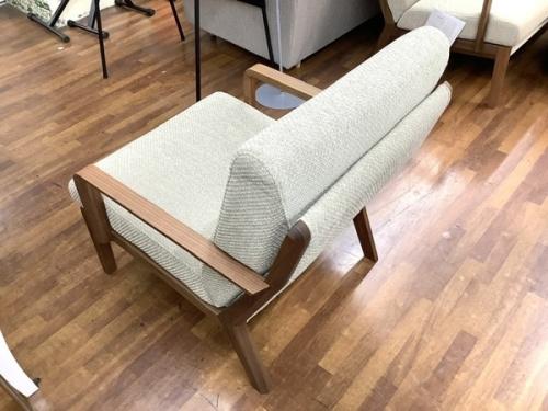 3人掛けソファーのkarimoku