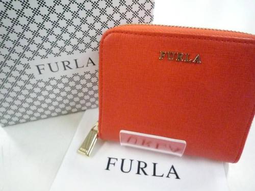 FURLAのラウンドファスナー