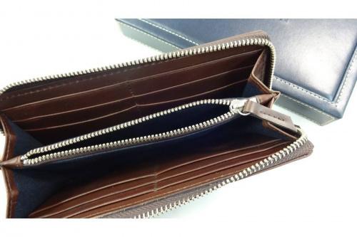 財布のTOMMY HILFIGER